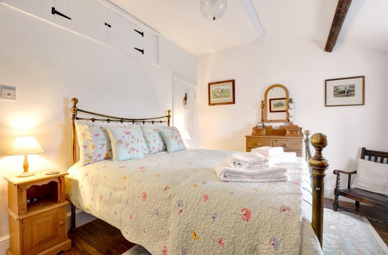 4ul6z05fu-489105_ds071-bedroom-view-1