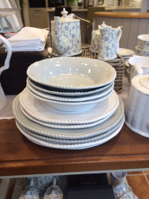 plates-dishes-bowls